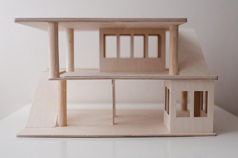 blog rodzinny, blog dziecięcy, moda dziecięca, zdjęcia dzieci, prezent dla dwulatka, drewniany garaż, drewnorele